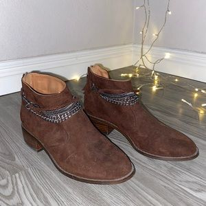 H&M Brown suede ankle boots with chains
